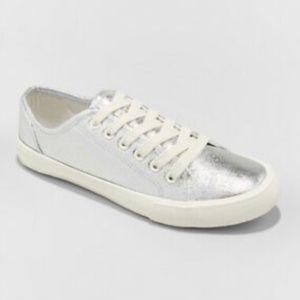 Universal Thread Silver Sneaker 6